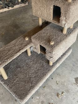 Cat Hide-away / Scratching place for Sale in Fort Worth,  TX