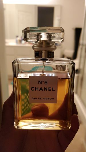 N°5 chanel perfume for Sale in Victorville, CA