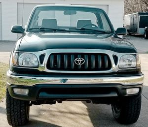 I'm selling my '01 Toyota Tacoma! for Sale in Arlington, TX