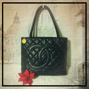 (Price Drop) CHANEL Black Quilted Caviar Medallion Tote Bag for Sale in Bellingham, WA
