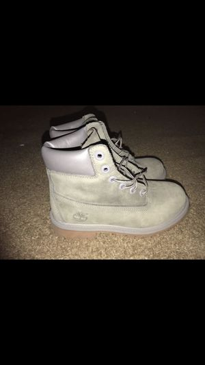Timberland size 4y for Sale in Clovis, CA