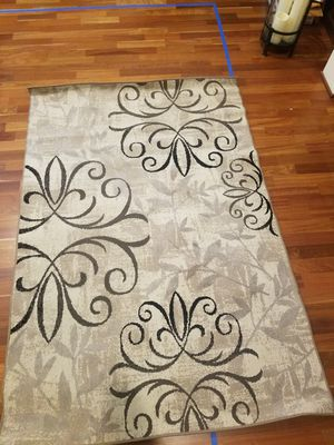 """Rug 5' x 7'6"""" for Sale in Woodburn, OR"""