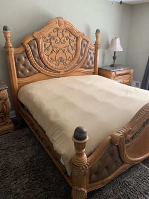 AICO by Michael Amini 6PC King Bedroom Set for Sale in Monroe Township, NJ