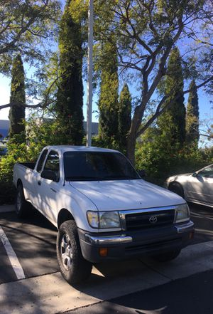 Toyota Tacoma Pre Runner Sr5 for Sale in San Diego, CA