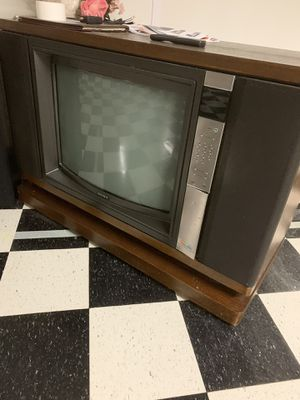 Free tv. for Sale in Lombard, IL