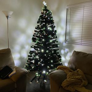 Pre-Lit Christmas Tree-6ft for Sale in Long Beach, CA