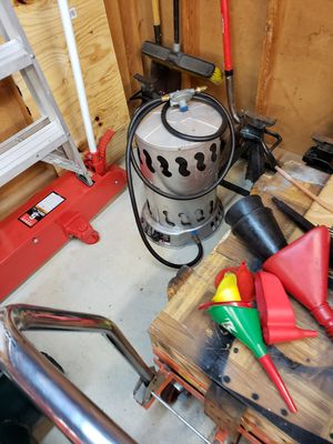 2 Propane heaters $60.00 for both for Sale in Cleveland, OH