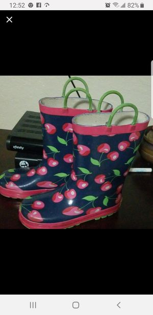 Raining boots for Sale in Miami, FL
