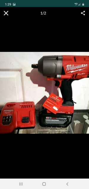 milwaukee impact wrench 1/2 1400 lbs for Sale in Bakersfield, CA