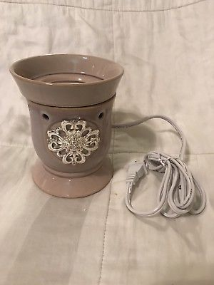 NEW Retired Mother's Day Scentsy Warmer for Sale in Homestead, FL