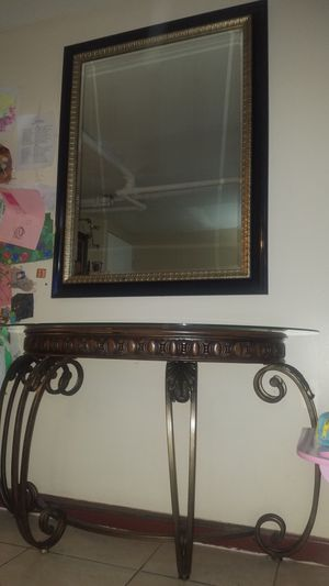 Console table with mirror for Sale in The Bronx, NY