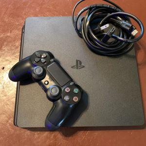 PS4 1TB SLIM w/ (Jet Black) Sony Wireless Controller & 3 Games for Sale in Hialeah, FL