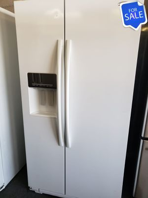 😍😍Refrigerator Fridge Whirlpool Works Perfect Side by Side #1421😍😍 for Sale in Riverside, CA