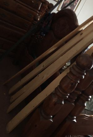 Bed frame queen whit the hole set for Sale in Midland, TX