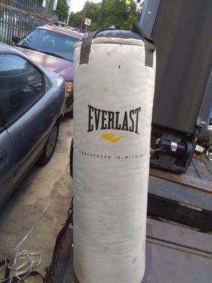 Punching bag 42 in tall for Sale in San Antonio, TX