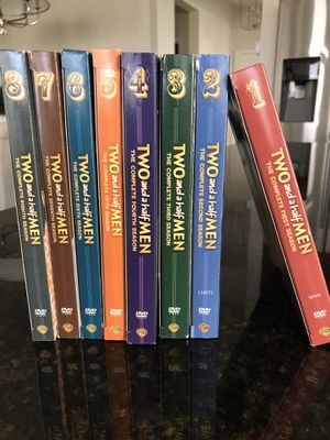 8 Seasons of Two and a half Men. Excellent condition for Sale in Winter Garden, FL