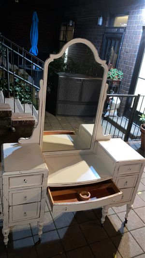 antique makeup vanity for Sale in New York, NY