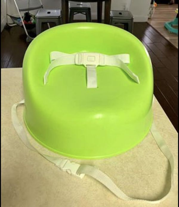 Safety 1st booster seat with straps