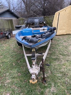 Ranger bass boat 1982 with 1996 150 Suzuki motor for Sale in Springdale, AR