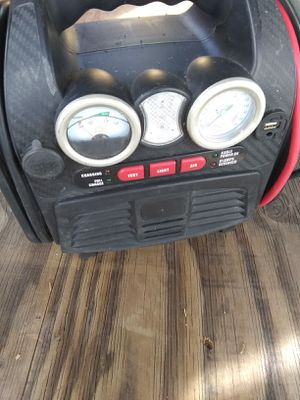 Car jump starter and tire inflater for Sale in San Diego, CA