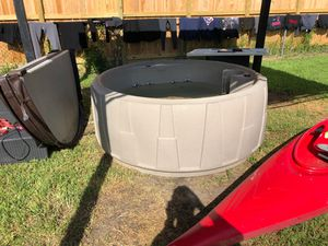 Hot tub needs heater for Sale in Sugar Land, TX