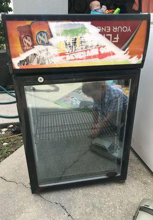 Mini fridge for Sale in Apopka, FL