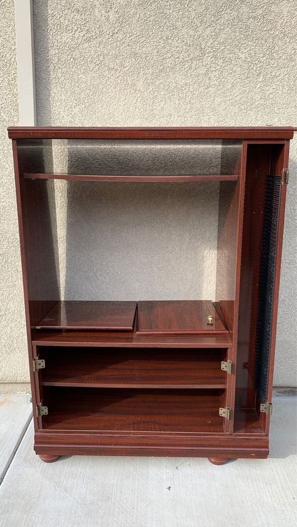 Well conditioned TV stand