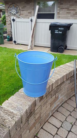 Arfe deckrative metal pail for Sale in Southgate, MI