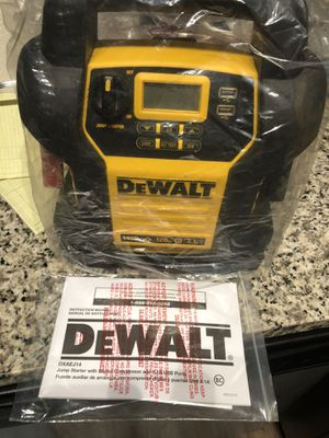 Dewalt Air Compressor + Jump Start for Sale in St. Petersburg, FL
