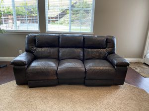 Electric/motorized brown leather couch for Sale in Rancho Cucamonga, CA