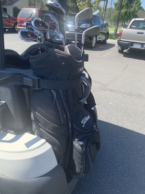 Titleist golf bag for Sale in Signal Hill, CA