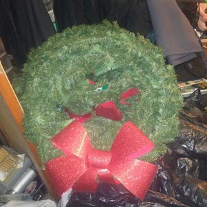 7 Artificial Wreaths (30 in.) for Sale in Stockton, CA