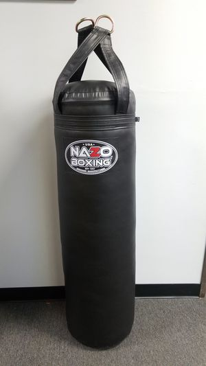 80 pound boxing punching bag for Sale in Los Angeles, CA