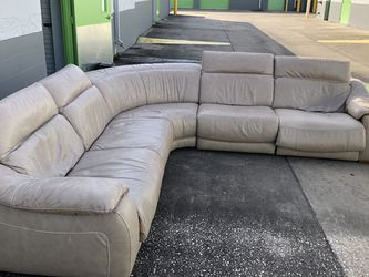 Sectional Recliner For Sale for Sale in Orlando,  FL
