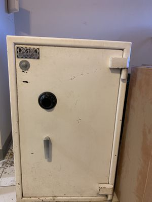 Boston Safe for Sale in Acton, MA