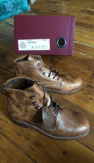 WOLVERINE 1000 MILE BOOTS WOMENS 7 for Sale in Brooklyn, NY