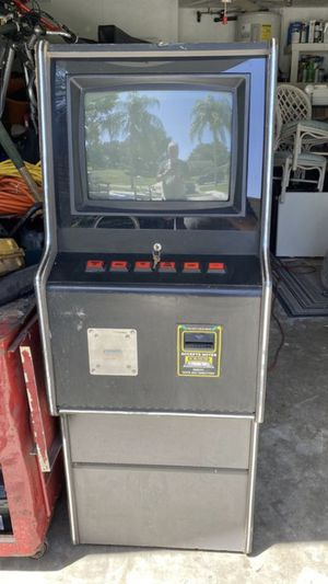 Video Game Arcade type game. Turns on but tube goes on and off for Sale in Palm Harbor, FL