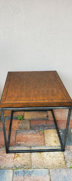End table for Sale in Davie, FL