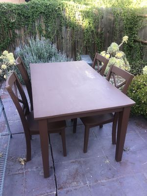 Table and chairs for Sale in Los Angeles, CA