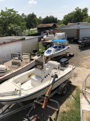 TONS OF OUTBOARD PARTS LOWER UNITS POWERHEADS TILT AND TRIM AND MORE for Sale in Baytown, TX