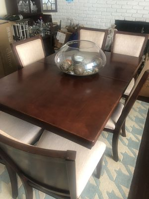 Beautiful Table for Sale in Fresno, CA