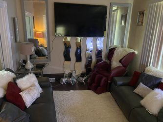 Living room set for Sale in West Mifflin,  PA