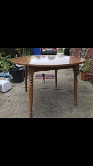 Dining/kitchen table. for Sale in Des Plaines, IL