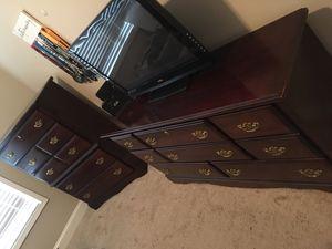 QUEEN bedroom set for Sale in Anderson, SC