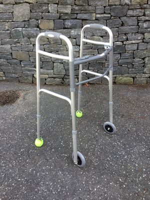 Aluminum walker fully adjustable height for Sale in Concord, MA