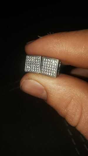 Men's chip diamond earrings for Sale in Brooklyn, MD