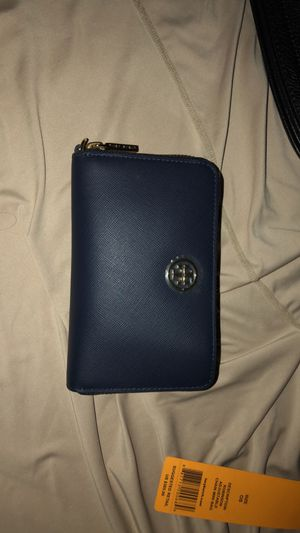 Torey Burch Adjustable chain mini Bag ! for Sale in Las Vegas, NV