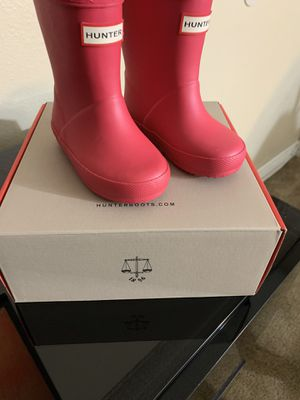 Toddler HUNTER rain boots for Sale in Downey, CA
