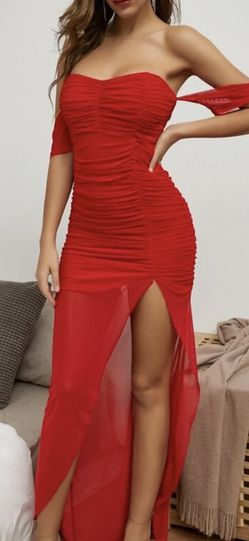 Red Off Shoulder Ruched Dress (Size Small) BRAND NEW for Sale in Los Angeles,  CA