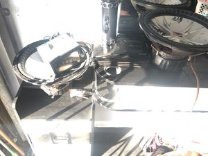 2 15 tv whole BEAT CAR STEREO SETUP for Sale in Lawndale, CA